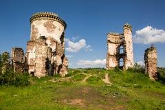 一座老城堡的废墟在Chervonograd村庄  乌克兰 免版税库存照片