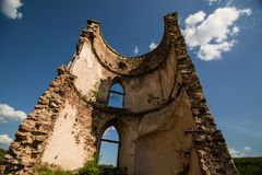 一座老城堡的废墟在Chervonograd村庄  Ukrai 库存图片