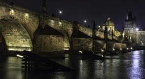 一座老桥梁在布拉格 免版税库存照片