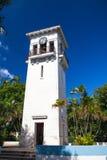 一座老钟楼在Minamar区在哈瓦那,古巴 图库摄影