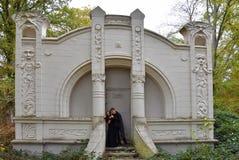 一座被迷惑的城堡的兄弟姐妹在森林 免版税图库摄影