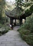 一座诗塔在中国庭院里 免版税库存图片