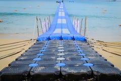 一座长的浮桥,普吉岛 免版税库存图片
