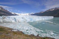 一座高山冰川的全景 免版税库存照片