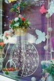 一张婚礼照片写真的地方本质上与装饰的 免版税库存照片