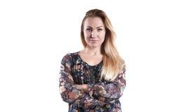 一张色的女衬衫画象的美丽的少妇 免版税库存照片