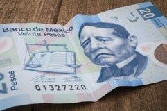 一张20个墨西哥比索票据似乎是哀伤的 免版税图库摄影
