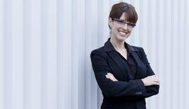 一成熟女实业家微笑的画象 免版税图库摄影