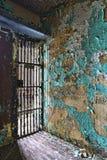 一所老监狱的里面的单元块 免版税图库摄影