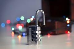 一把开放密码锁 免版税库存照片
