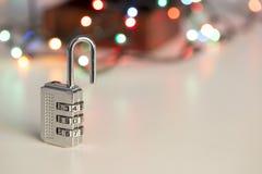 一把开放密码锁 库存图片
