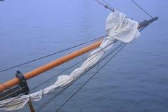 一把高船帆船弓 免版税库存照片