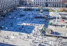 一普通的天在广场中央寺院 免版税图库摄影