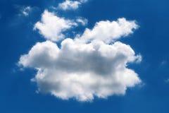 一朵蓬松云彩的照片 免版税库存图片