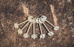 一束古板的钥匙 库存照片