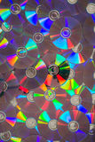 一束被放置的平的CDs或DVDs 免版税图库摄影