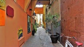 一条五颜六色的街道在波隆纳,意大利 库存图片
