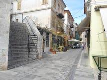一条典型的路在te镇的中心 库存图片