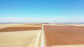 一条土路的鸟瞰图在东韦尼托旁边的 影视素材