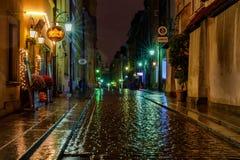 一条多雨华沙街道 免版税库存图片
