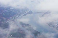 一条大河的鸟瞰图 库存照片