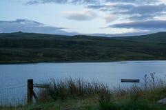 一条小船在湖 免版税库存照片