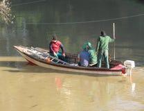 一条小船的人们在帕多瓦 免版税库存图片