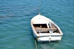 一条小船的室外射击有蓝色颜色的 免版税库存照片