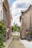 一条小街道在马斯特里赫特 免版税库存照片
