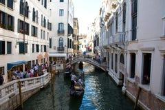 一条小运河在威尼斯 库存照片