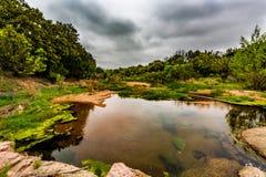 一条岩石得克萨斯小河 免版税库存照片
