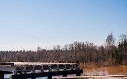 一条新的高速公路,线电烫- Ekaterinburg的建筑 免版税库存图片