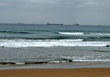 一条更小的猛拉小船 免版税库存照片
