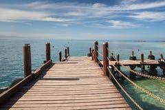 一条木木板走道在亚庇在马来西亚 免版税库存图片