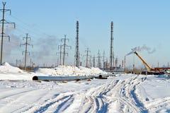 一条气体管道的建筑在冬天 库存图片