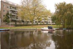 一条河的看法在阿姆斯特丹 免版税库存照片