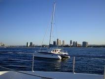从一条游艇的美丽的景色在英属黄金海岸 澳洲 库存图片