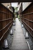 一条狭窄和稀薄的道路在日本 免版税库存照片