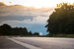 一条空的乡下路 免版税库存照片