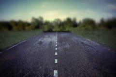 一条空的路的例证 免版税图库摄影