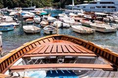 一条老划艇的细节有bokeh的 库存图片