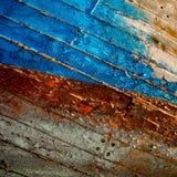 一条老木小船的边 免版税库存照片