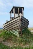 一条老木小船的击毁 库存照片