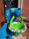 一条蓝色异想天开的狗 免版税库存图片