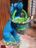 一条蓝色异想天开的狗 免版税图库摄影