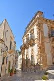 一条街道在老镇希克利在意大利 免版税库存图片