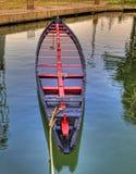 一条被放弃的老小船 免版税库存照片