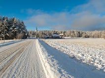 一条路在冬天   免版税库存图片