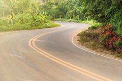一条路的看法在楠府的, Tha Phu Lanka国家公园 免版税库存照片