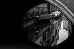 一条运河在威尼斯-意大利 库存图片